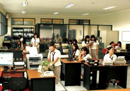 √Definisi kantor : Pengertian, Fungsi, Tujuan, Ciri dan Contoh Kantor Modern