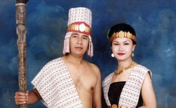 Pakaian Adat Suku Samosir