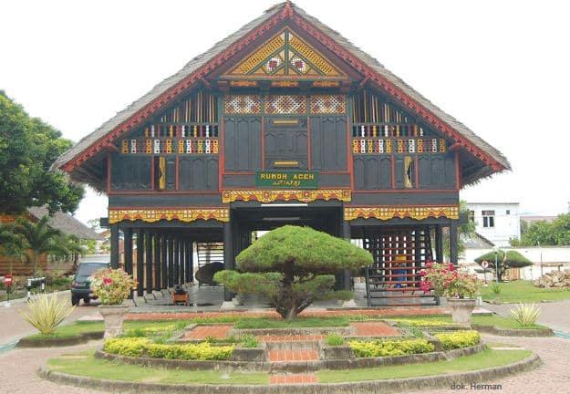 Rumah Adat Aceh