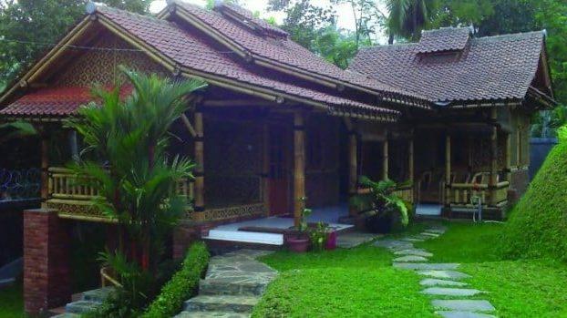 Rumah Tradisional Jubleg Nangkub
