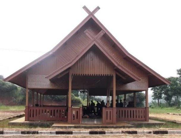 Rumah Tradisional Julang Ngapak